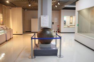常設展示された酢甕