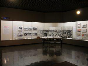 平塚空襲展の展示風景
