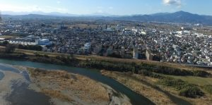 100m上空から平塚市街を見た様子