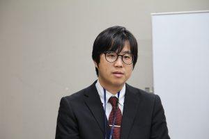 早田旅人学芸員