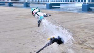 水ロケットの発射の瞬間