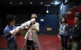 望遠鏡の組み立て方を学ぶ天体観察会会員
